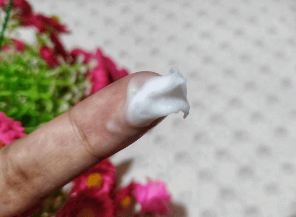 Jeju Aloe Ice Refreshing Soothing Gel hand test